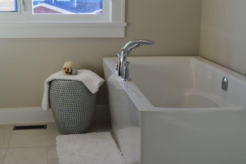 Arredo bagno e segreti di stile Jacuzzi, quando la rubinetteria è un'arte